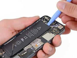 замена аккумулятора на айфон в Киеве на Троещине